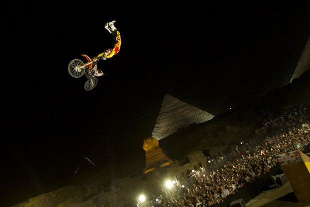 Red Bull X-Fighters Egypt GI_LIFE_FH_3355w