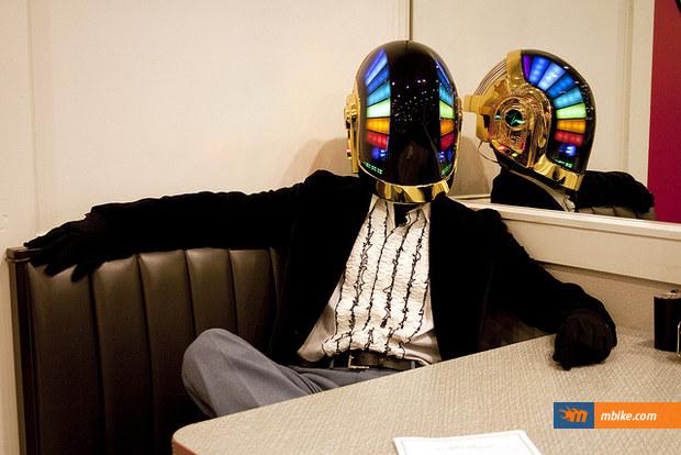 dafi-punk-helmet-10
