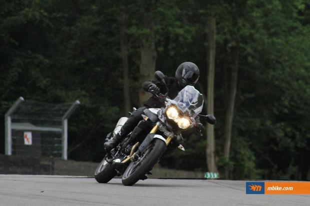 2011-Triumph-Adventure-1