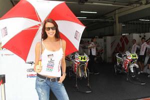 MotoGP paddock girls 2010 Sepang_3