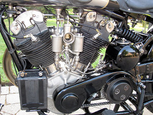 Brough Superior SS100_2