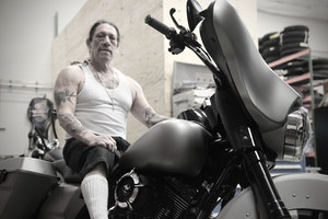 danny-trejo-snapped-on-the-rsd-stealth-bagger-28948_1