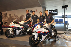 005_bmw-italia-wsbk-team-ayrton-badovini-james-toseland-20
