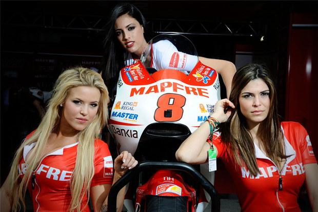 2011 MotoGP Jerez Paddock Girls 08