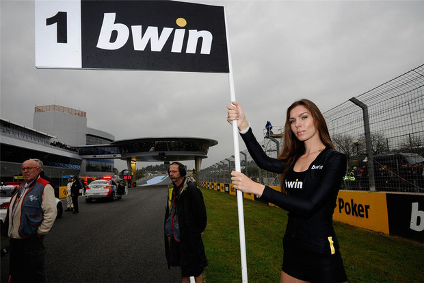 2011 MotoGP Jerez Paddock Girls 29