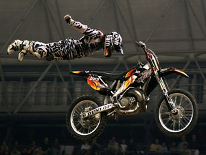 mc06_Motocross-Freestyle-Superman