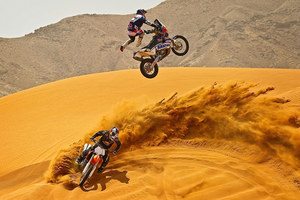 mc27_Motocross in Desert