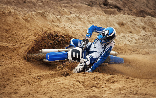 mc45_Motorcross In Sand