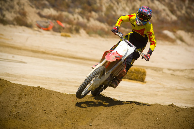 mc92_Yellow Motocross